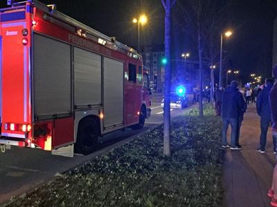 Feuerwehr und Polizei vorm art'otel