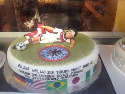 WM-Torte in der Keupstraße