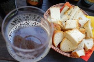 Bier und Kartoffel-Bier-Brot