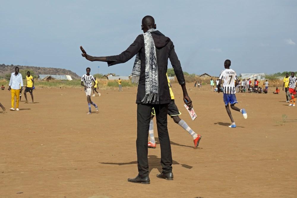 Trainer beim Fußballspiel