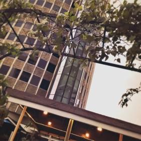 Auf der Dachterrasse des Hilton