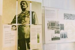 Fakten zu Stalin im Hinterzimmer im Café Sibylle in Berlin auf der Karl-Marx-Allee