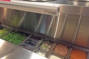 Salatbar in der Küche
