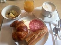 Französisches Frühstück im Elsass