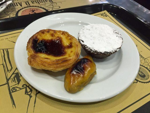 Portugiesisches Gebäck im Café Lia