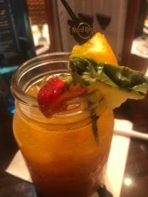 Alkoholfreie Limonade mit Mango