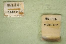 Hochwassermarke am Wurstkuchl
