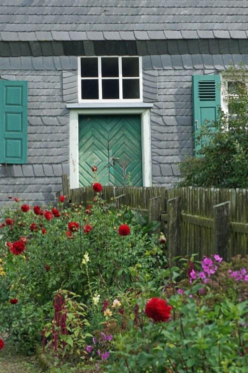 Garten vorm Haus