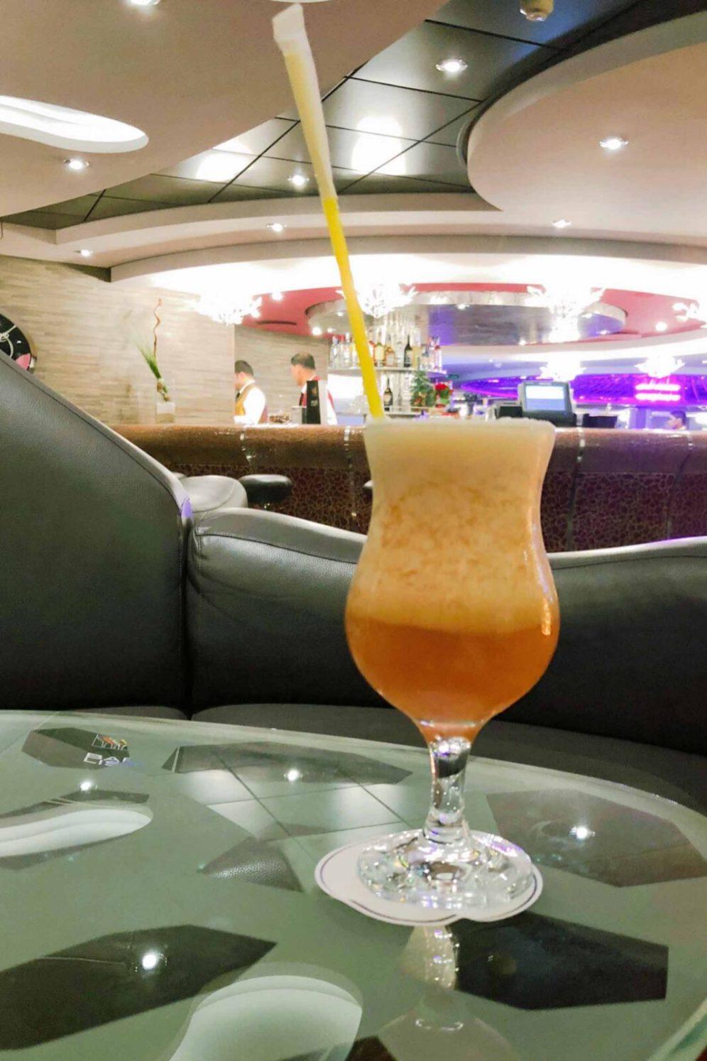 Ein Cocktail auf der MSC