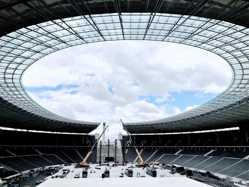 Im Stadion: Abbau nach Konzert