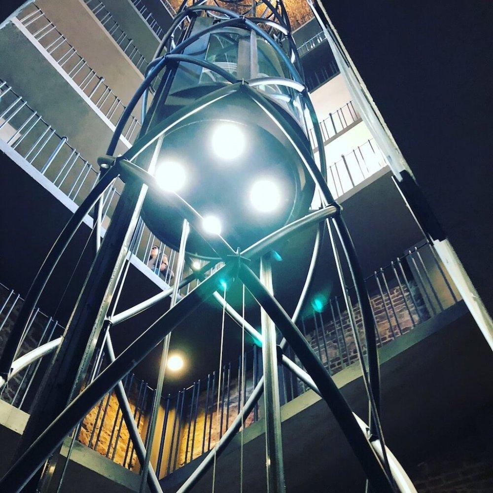 Aufzug im Rathausturm in Prag.