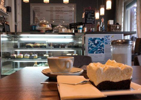 Café auf Norderney mit Mascarponetorten