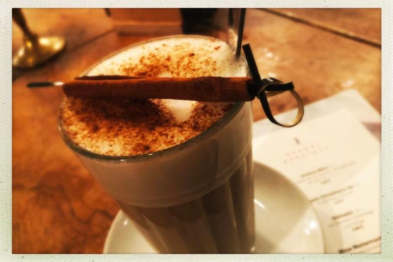Chai im Café Sehnsucht