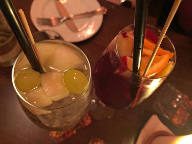 Weiße Sangria und Sangria alkoholfrei