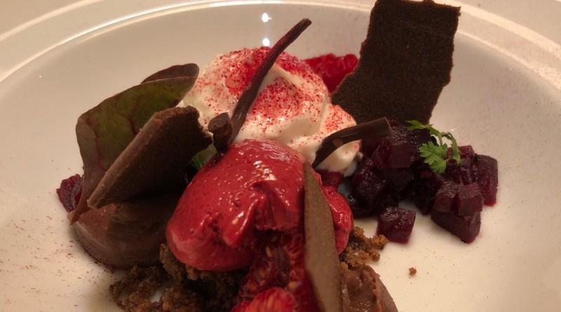 Rote Beete Eis mit Ziegenkäse. Oh ja, das schmeckt!