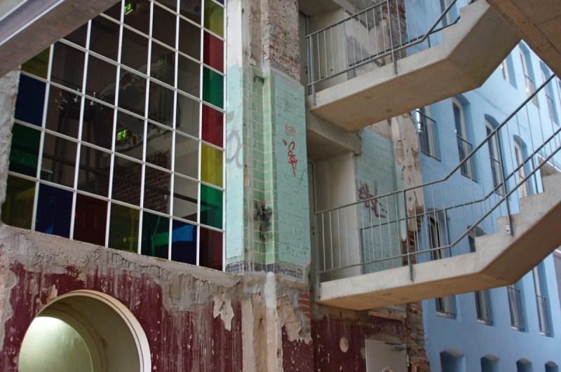 Das Factory-Hotel 2012 von außen