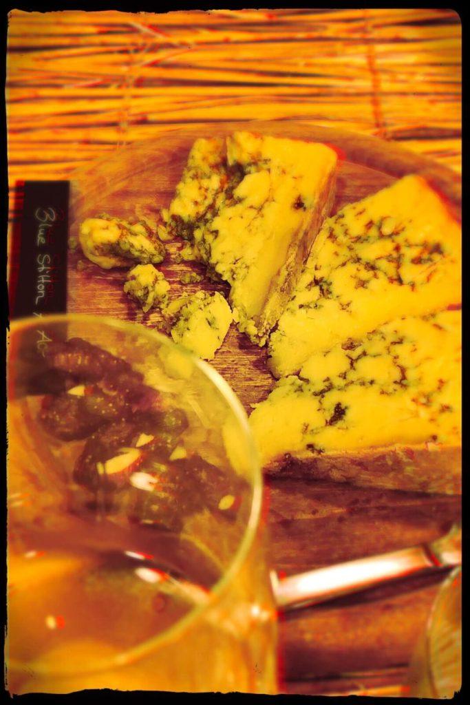 Käse und Weißwein? Passt viel besser, als ich dachte