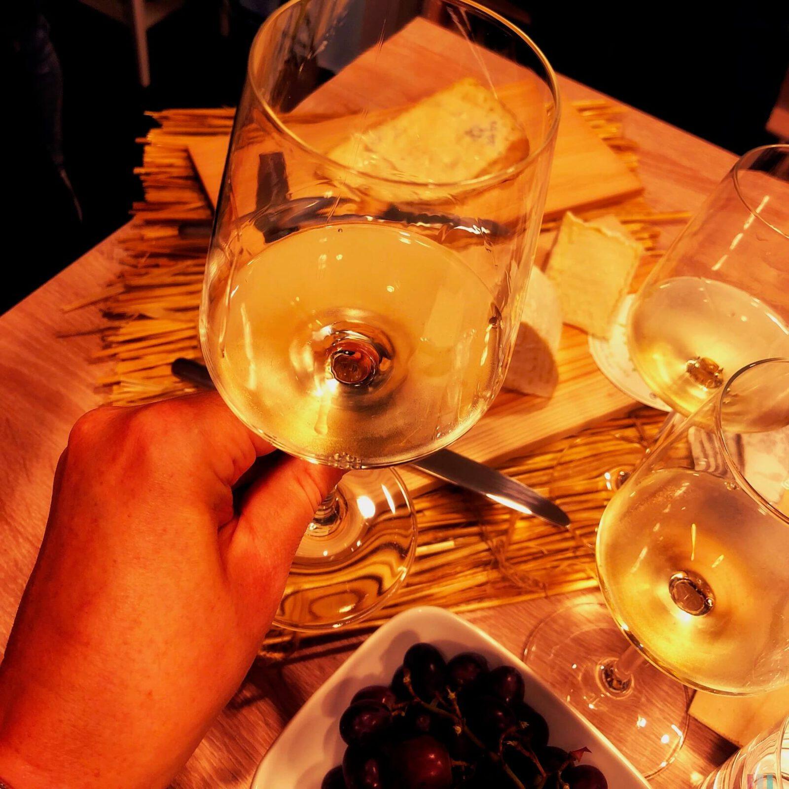 Käse und Weißwein – ein gutes Duo