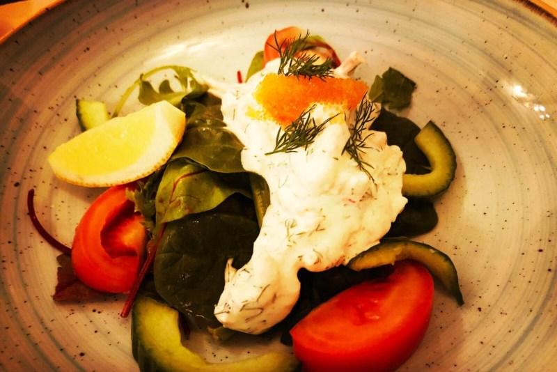 Krabben auf Salat