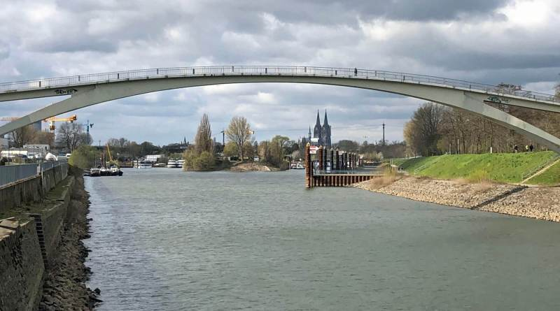 Vom Wiener Platz bis zum Eigelstein: Stadtwandern am Rhein entlang