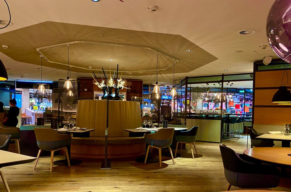 Düsseldorf: Sternerestaurant Setzkasten im Supermarkt-Untergeschoss