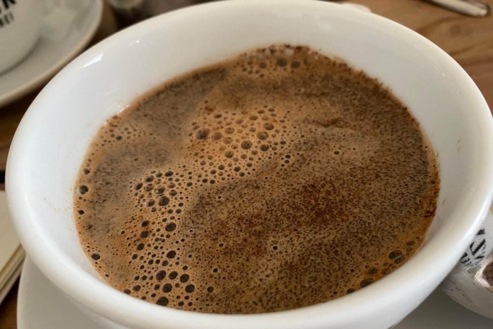 Der aufgegossene Kaffee