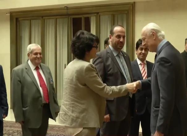 دي ميستورا يلتقي وفدي المعارضة والنظام بجنيف