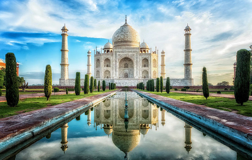 Checking Out The Breathtaking Glory Of The Taj Mahal, India