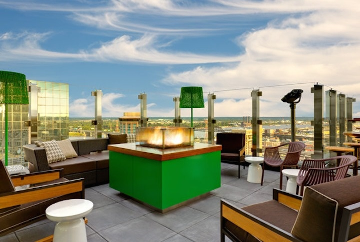 The Three Sixty in the Hilton is St. Louis, Missouri gives a 360° view of the city.