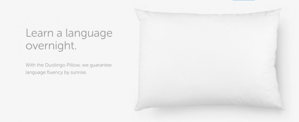 The super soft and comfy pillows promises you will wake up bilingual after one night sleep.