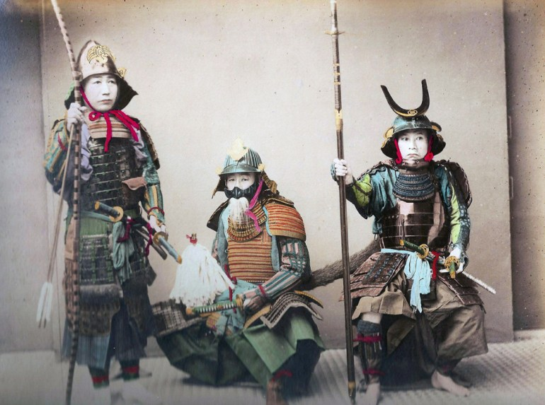 The armour varied depending on whether the warrior fought while on a horse or on foot.