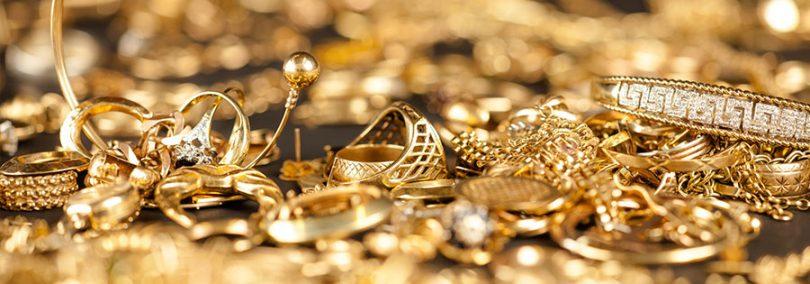 O ouro é originalmente o tom mais utilizado como também o mais buscado nas joalherias, esse tom retrata exatamente que a peça tem aparência de ouro, portanto ganha forma sendo o mais tradicional.