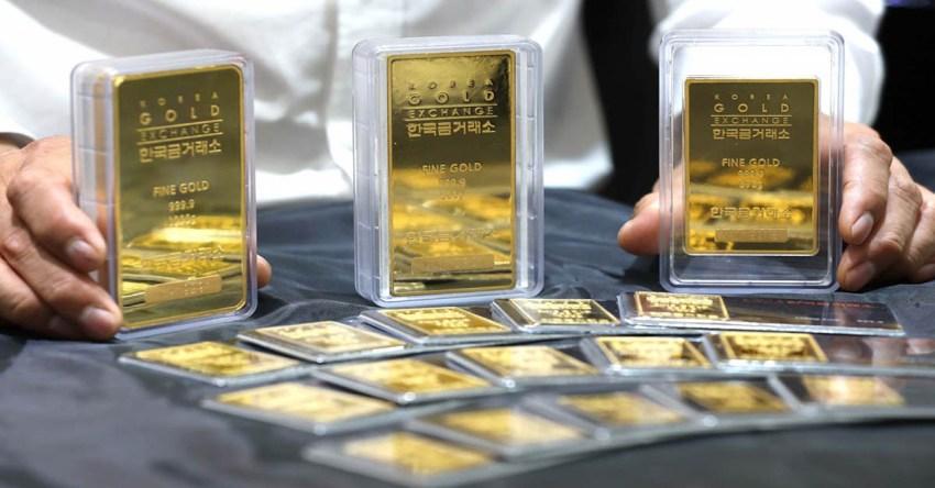 Você já pensou em investir em ouro? Um investimento que já foi muito popular entre os investidores no passado, o ouro tem voltado a chamar a atenção no mercado.