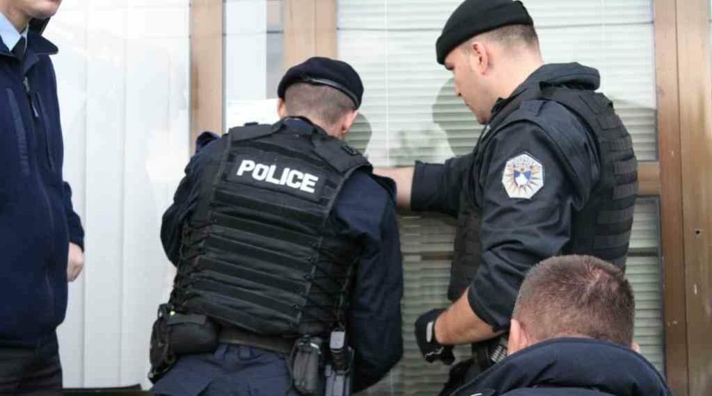 Arrestohen dy të dyshuar për organizim e lojërave të fatit në Prizren dhe Dragash