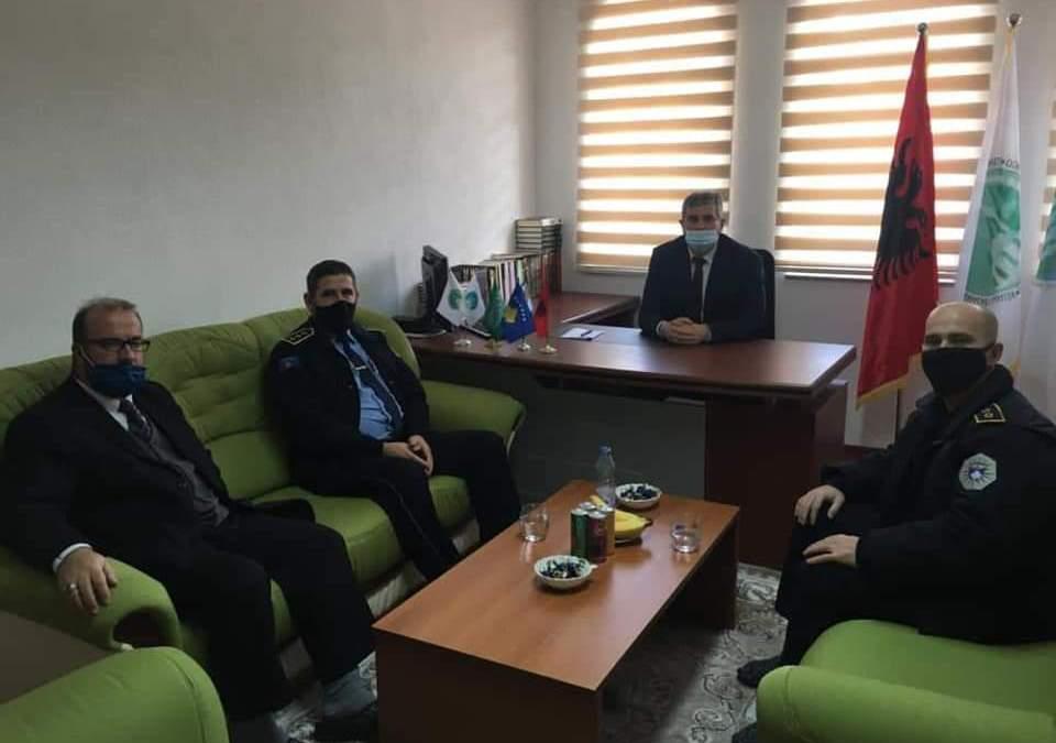 Komandantet e Policisë në Dragash vizituan kryetarin e sapo emëruar të KBI-së