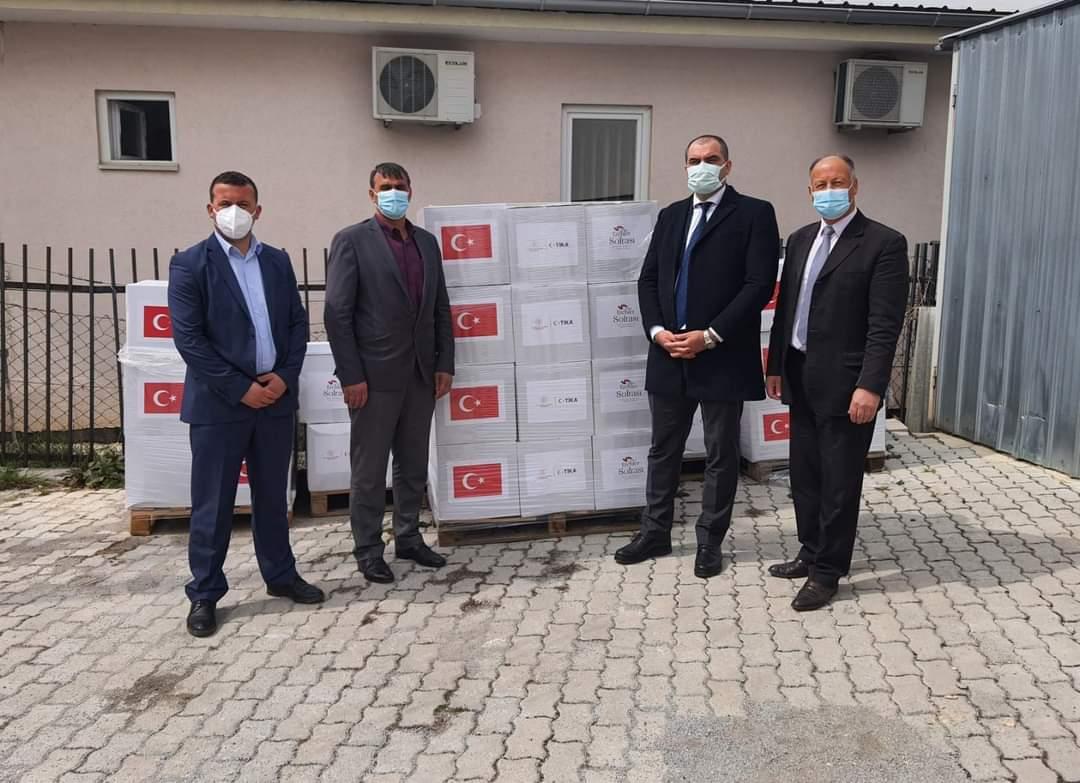 Në Dragash, Agjencia Turke për Bashkëpunim dhe Koordinim (TIKA) ndihmon familjet në nevojë!