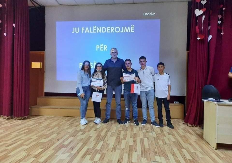 """Nxënësit e shkollës """"Samidin Emini"""" të dytët në garat regjionale për matematik"""