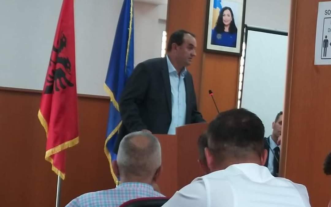 """Kryetari i degës së LDK-së në Dragash kerkon bashkëpunim me """"Vetëvendosjen"""" për të derguar PDK në opozitë."""