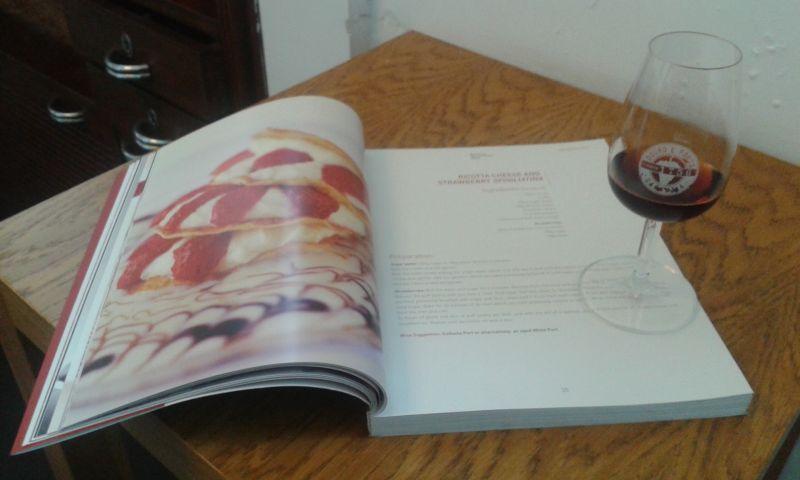 Kniha plná báječných receptů z portského vína dle nejvyhlášenějších světových kuchařů