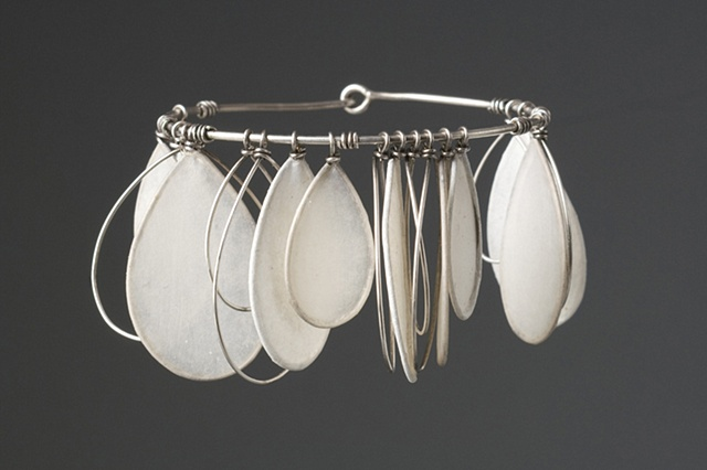 Paper Jewelry by Tia Kramer