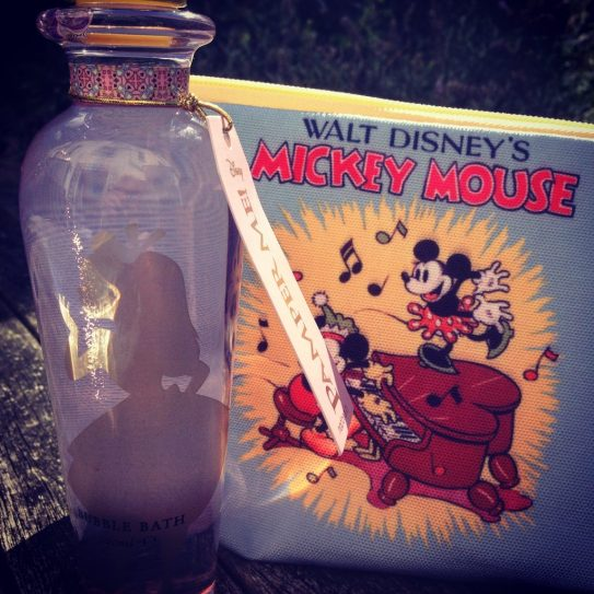 mad_beauty_mickey_mouse_wash_bag