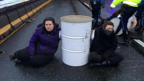 #BlackLivesMatter protest shuts down Massachusetts highway