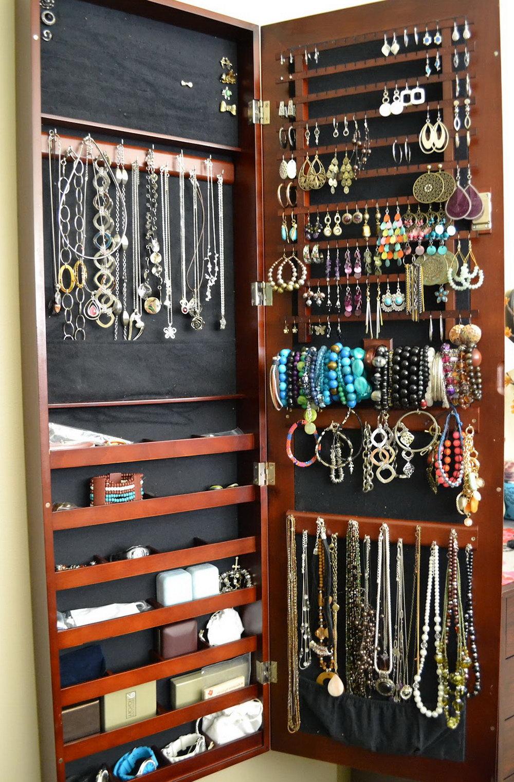 Wall Hung Jewelry Organizer