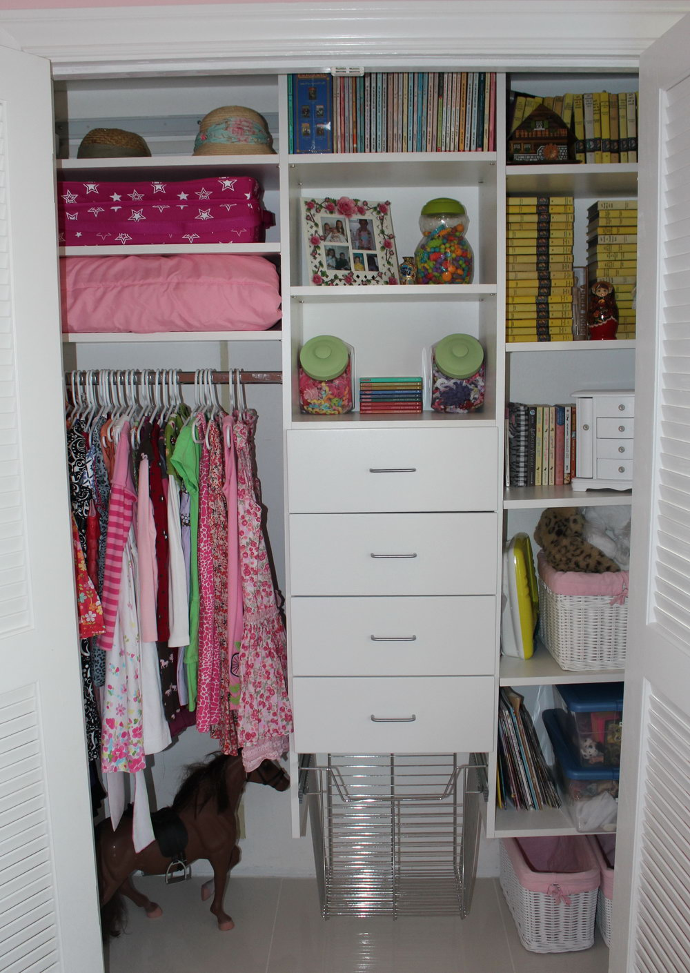 Small Closet Space Solutions