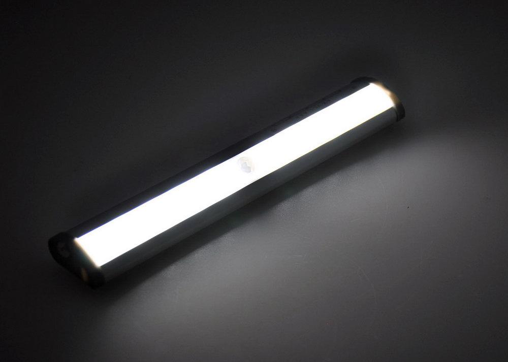 Battery Closet Light With Door Switch