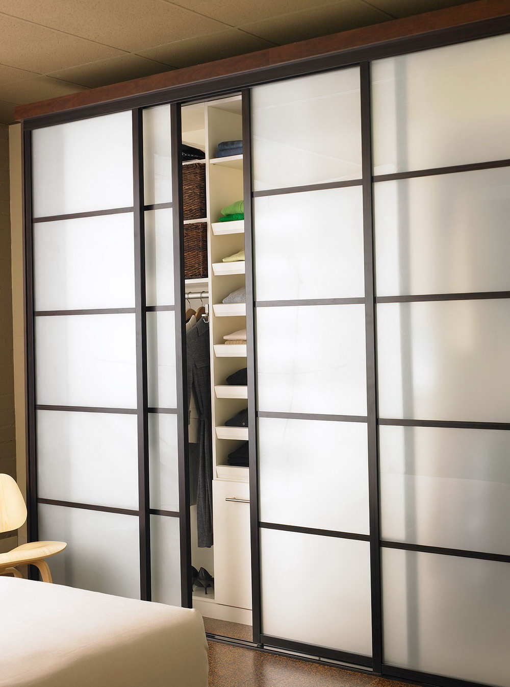 Sliding Door Closet Design