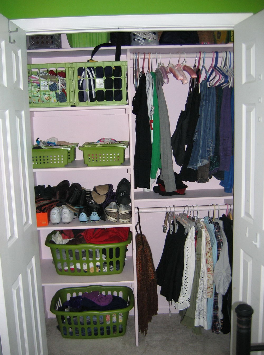 Small Bedroom Without Closet Ideas