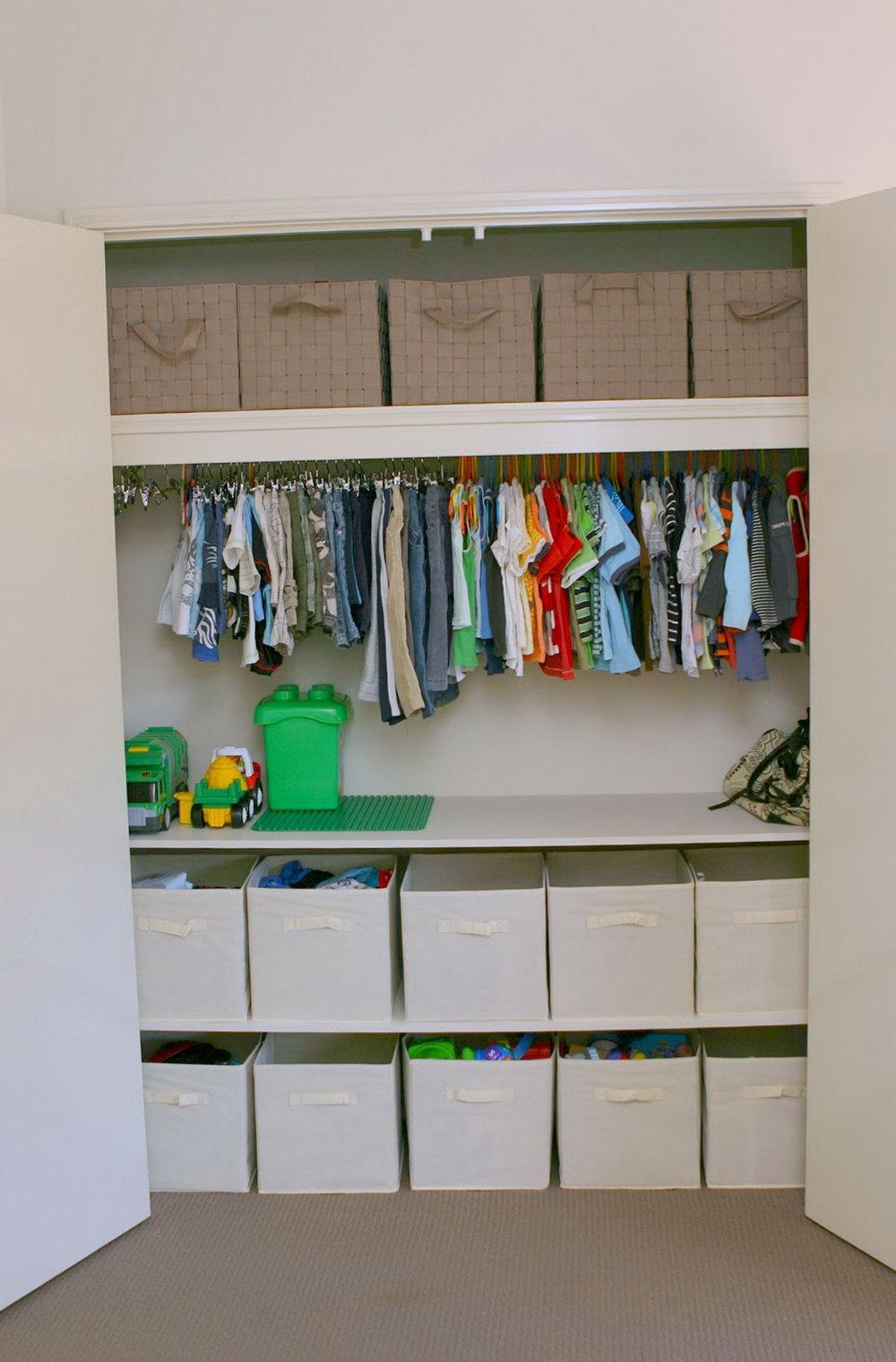 Small Kids Closet Organization