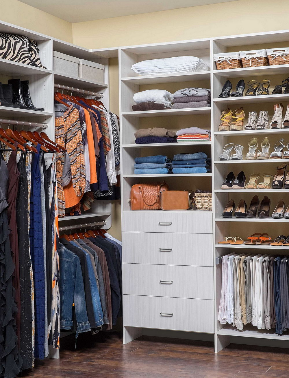 Walk In Closets Designs For Small Spaces