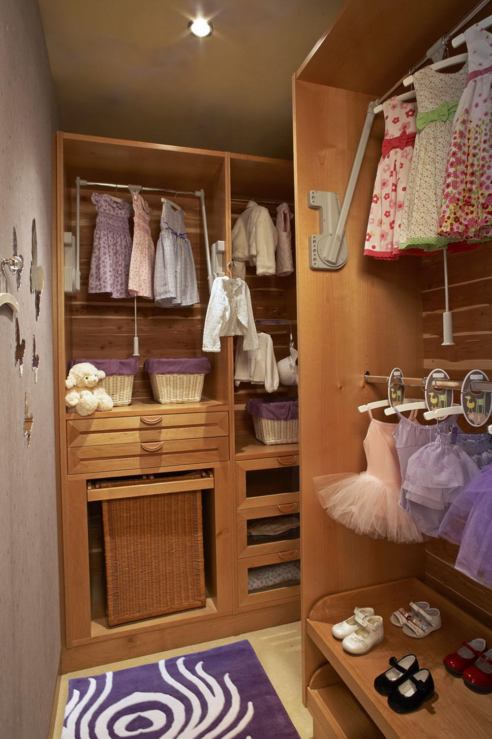 Walk In Closets Ideas For Girls